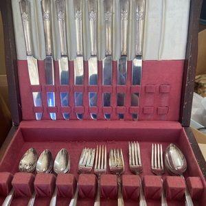 Vintage rogers bros silverware set wood box flatware